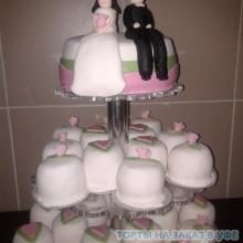 Свадебный с пирожными. №1