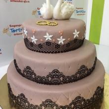 Торт с ажурным шоколадным айсингом