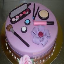 Торт косметика для модниц