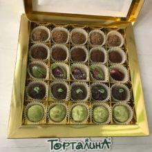 Шоколадные конфеты ручной работы набор 25 в золотом