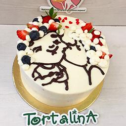 кремовый торт с шоколадной картинкой поцелуя