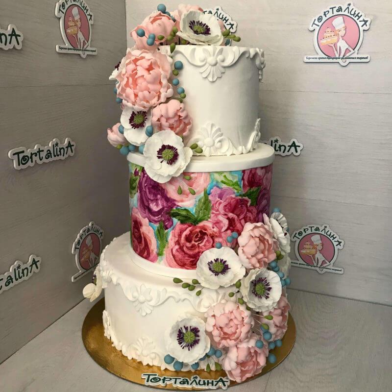 торт свадебный три яруса с цветами