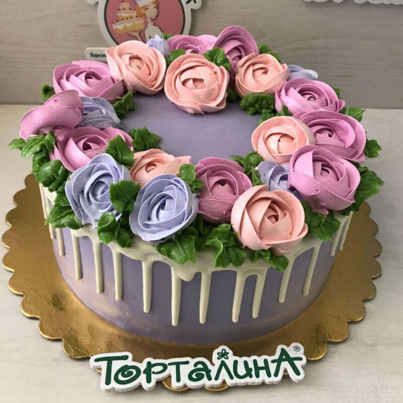 торт с розами из меренги