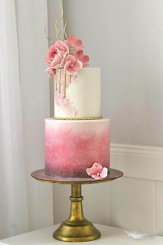 торт свадебный розовый с белым