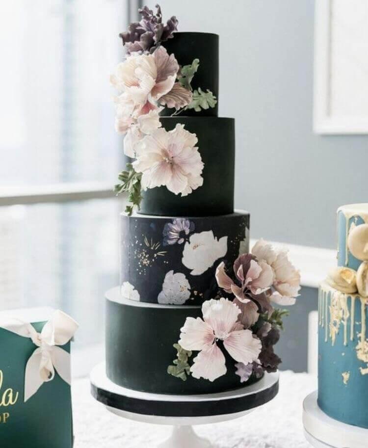 торт свадебный четыре яруса