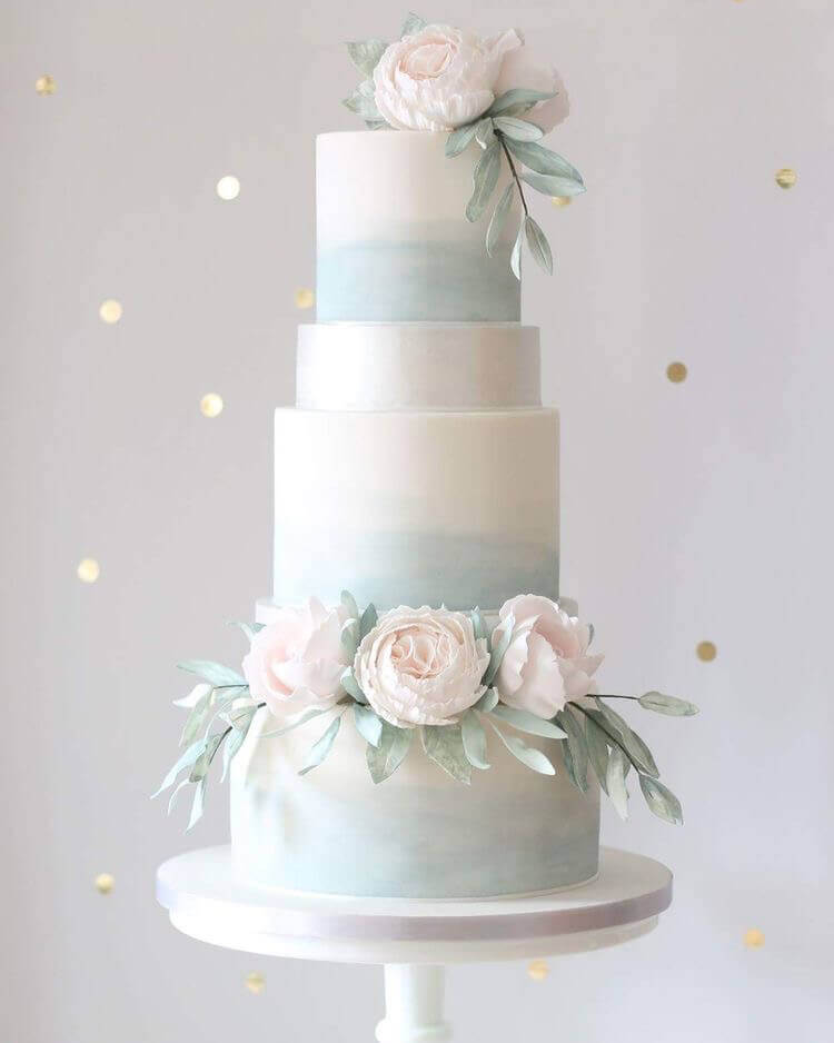торт свадебный бледно голубого цвета