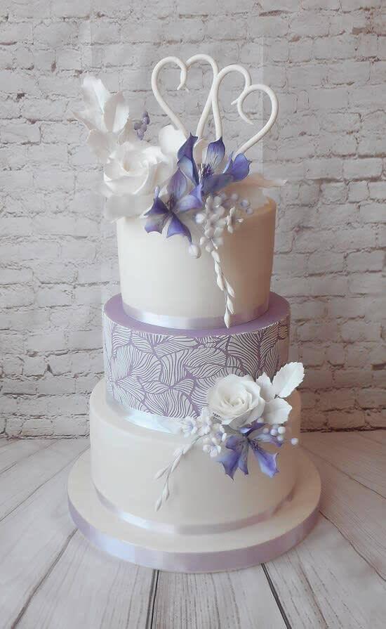 торт свадебный с цветками орхидеи
