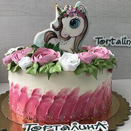 торт кремовый единорог с розочками