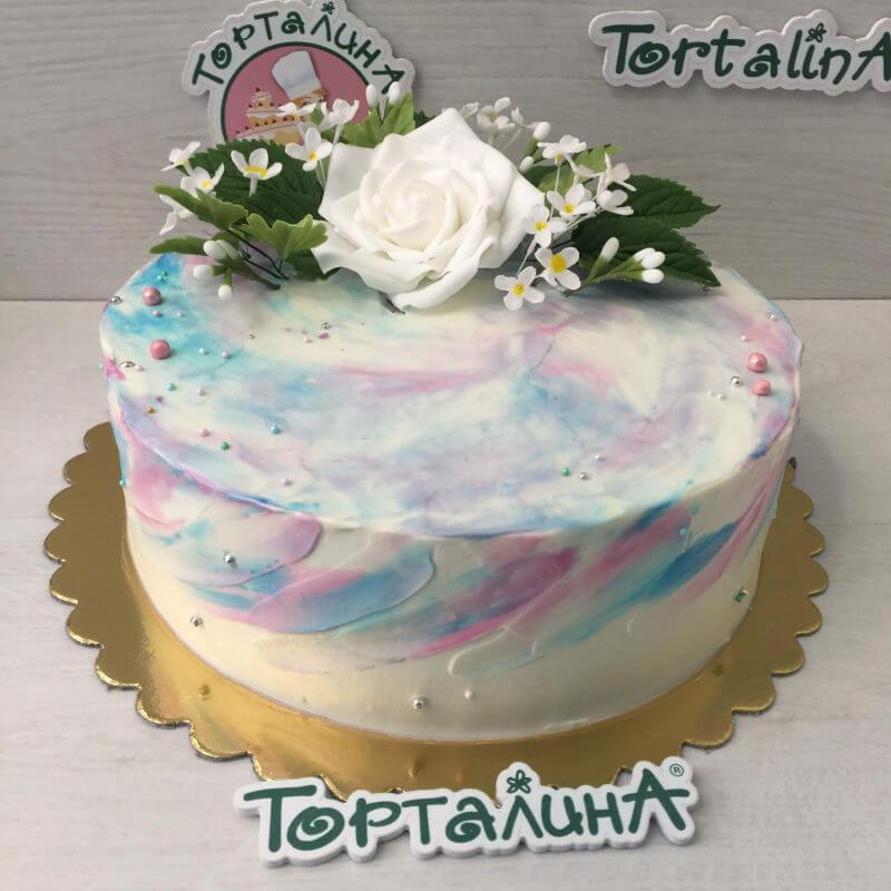торт кремовый с розой