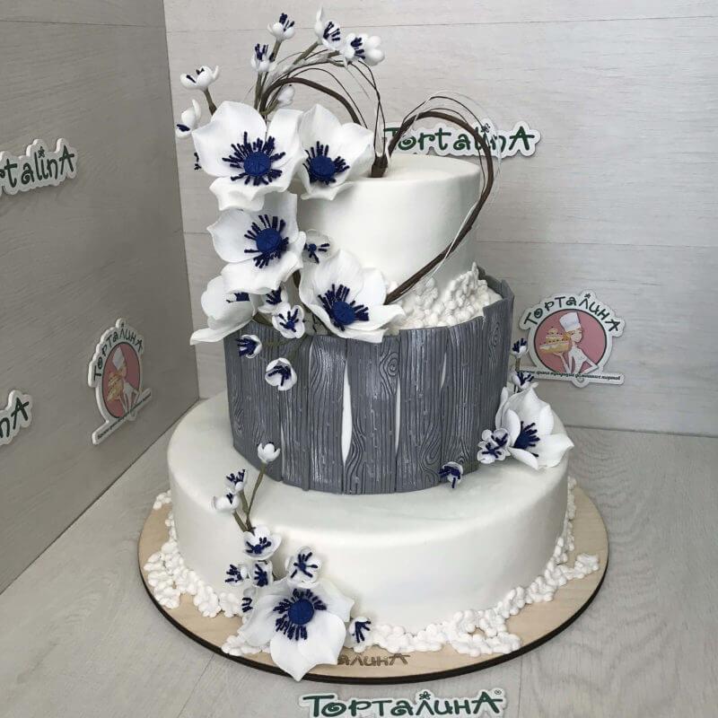 торт свадебный три яруса в серебряных тонах