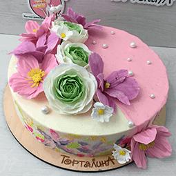 торт кремовый праздничный с цветами из сахарной мастики