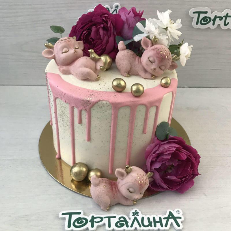 торт с шоколадными оленятами