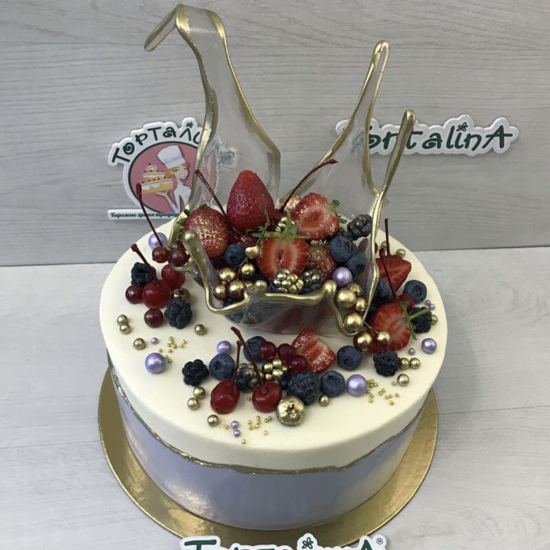 торт с карамельным всплеском