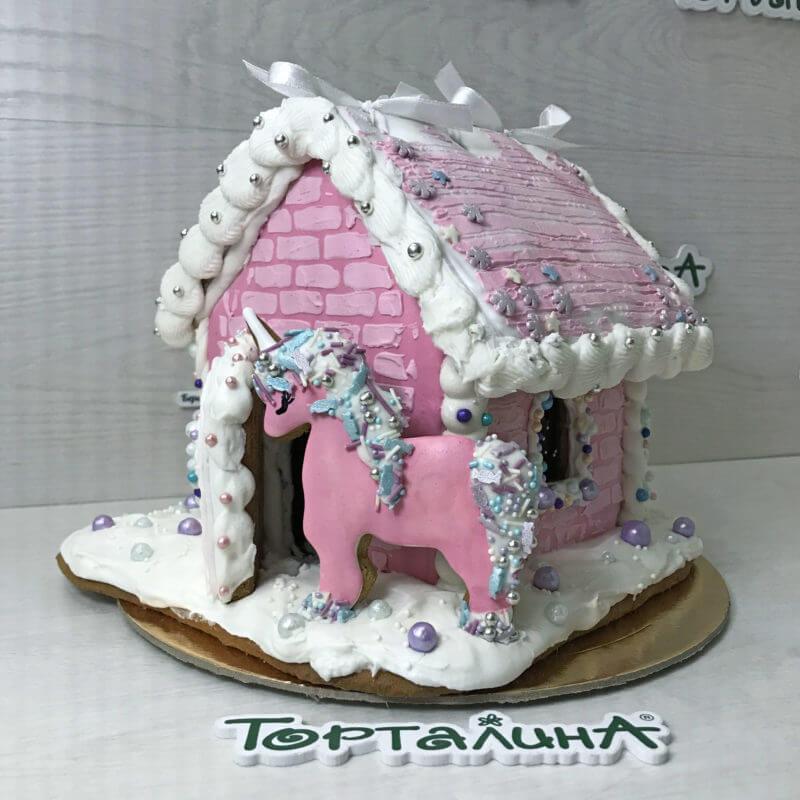 торт пряничный с розовой лошадкой
